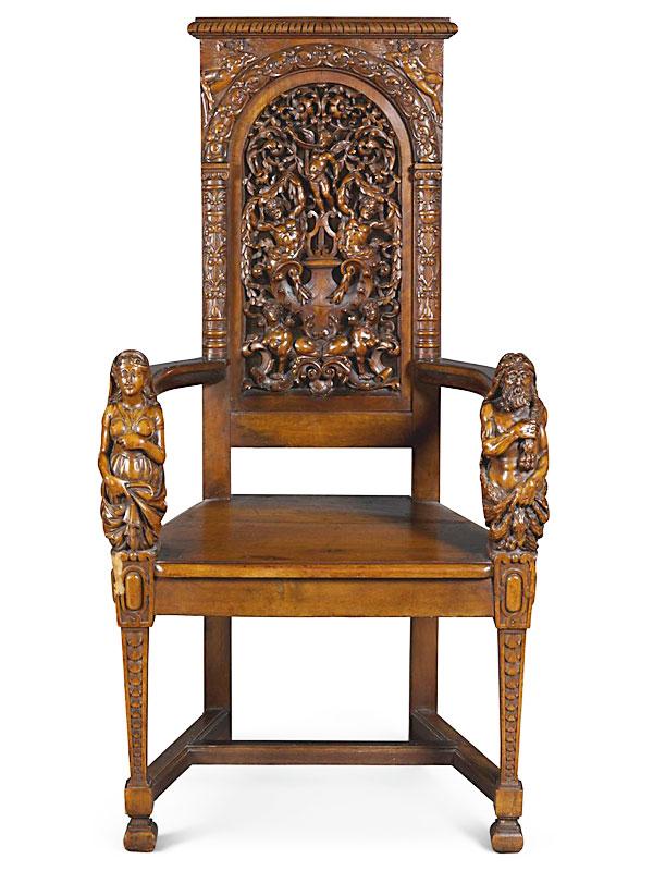 Древний стул с изображением богов